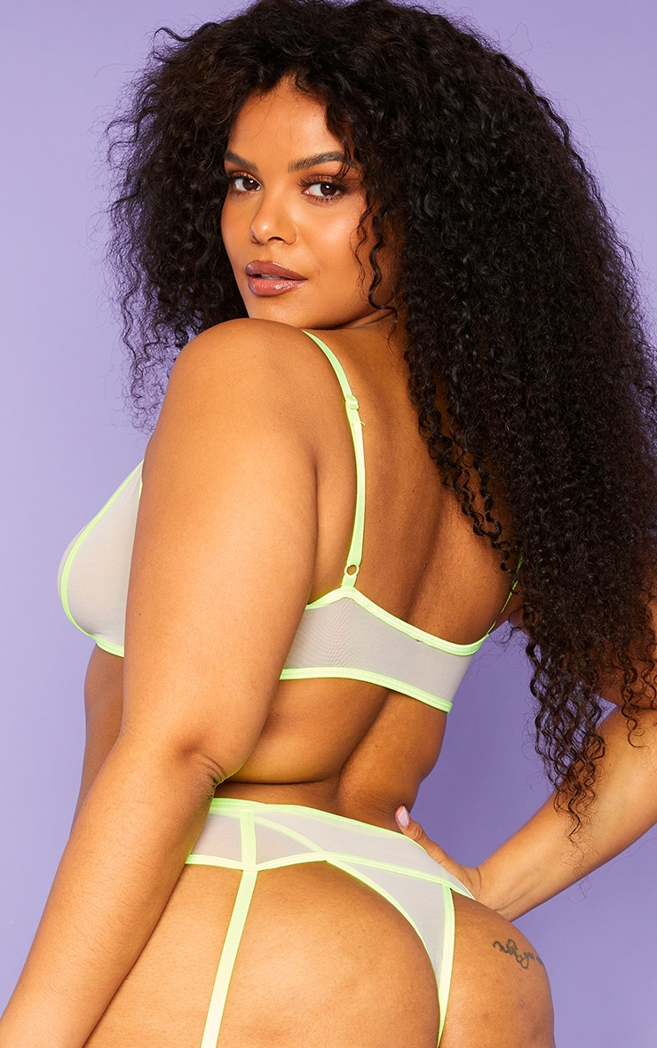 Plus Lime Binding Detail Mesh Underwired 3 Piece Lingerie Set 2
