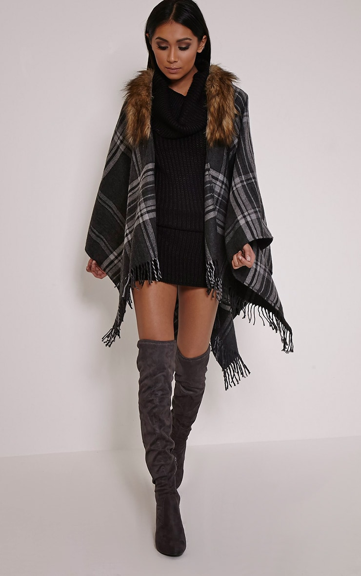 Stacey Grey Tartan Fur Collar Shawl 1