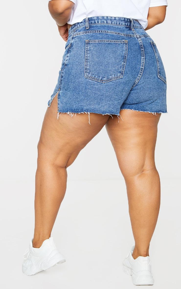 Plus Mid Blue Wash Split Hem Mom Shorts 3