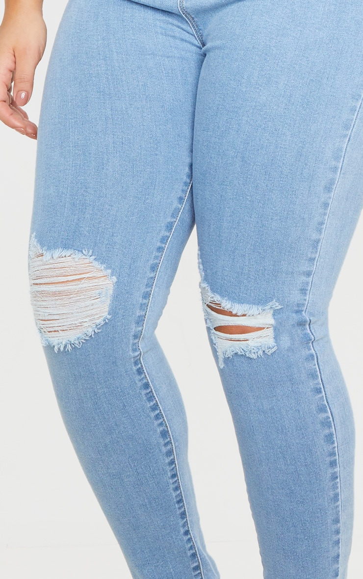 PRETTYLITTLETHING Plus Light Wash Knee Rip Disco Skinny Jean 5