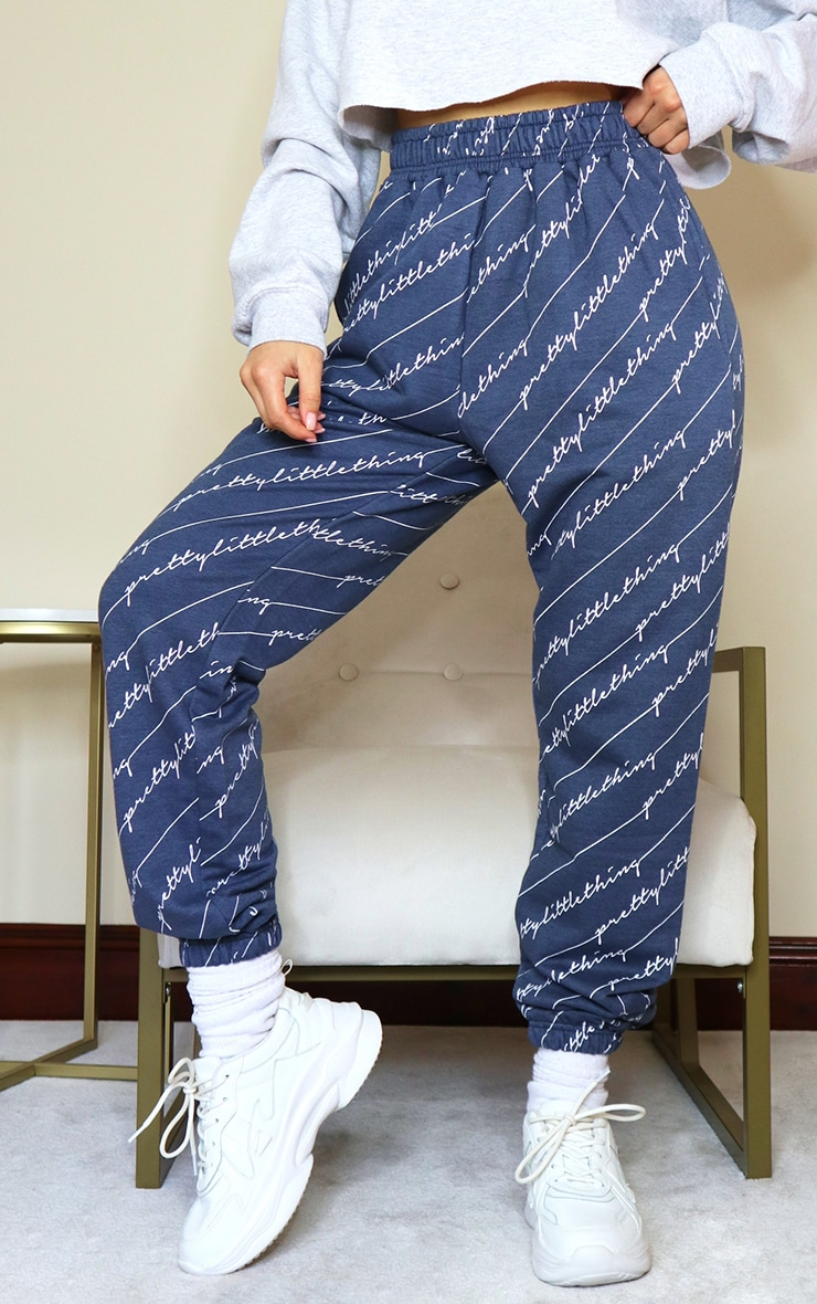 PRETTYLITTLETHING Navy Printed Joggers 2