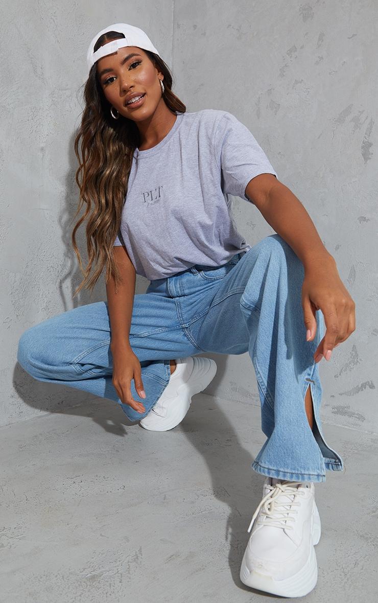 PRETTYLITTLETHING - T-shirt oversize gris à slogan brodé 3