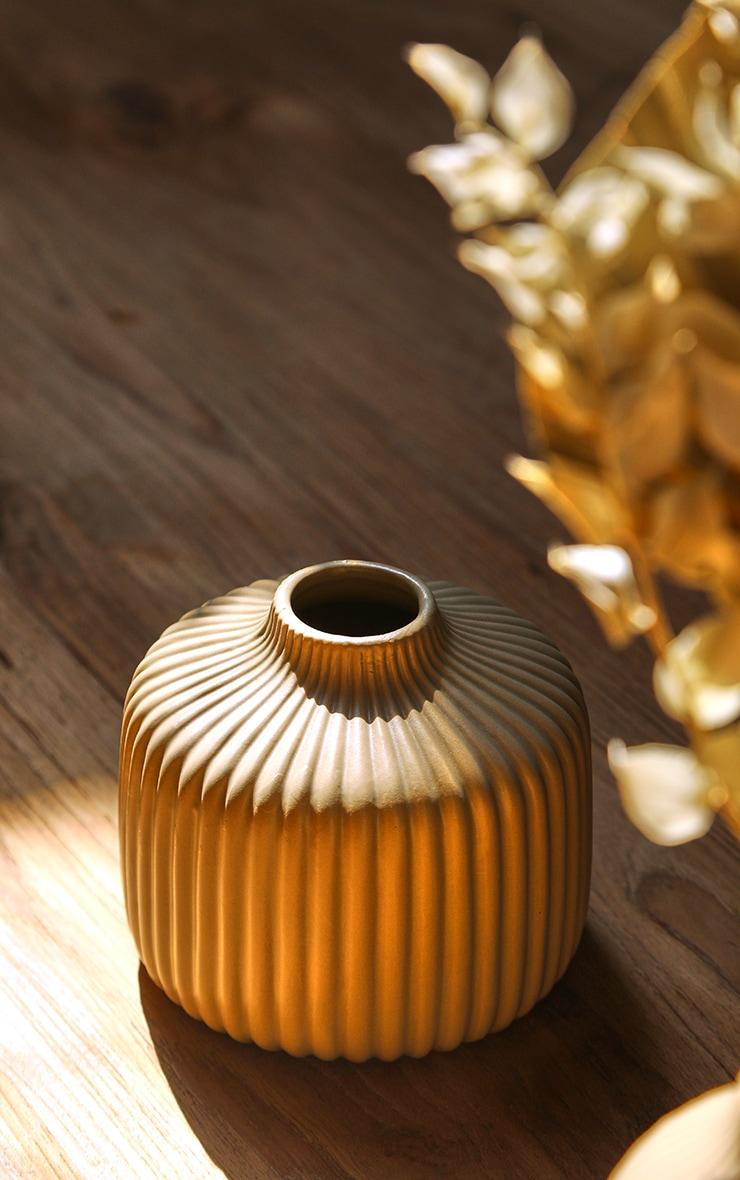 Stone Round Ribbed Vase 1
