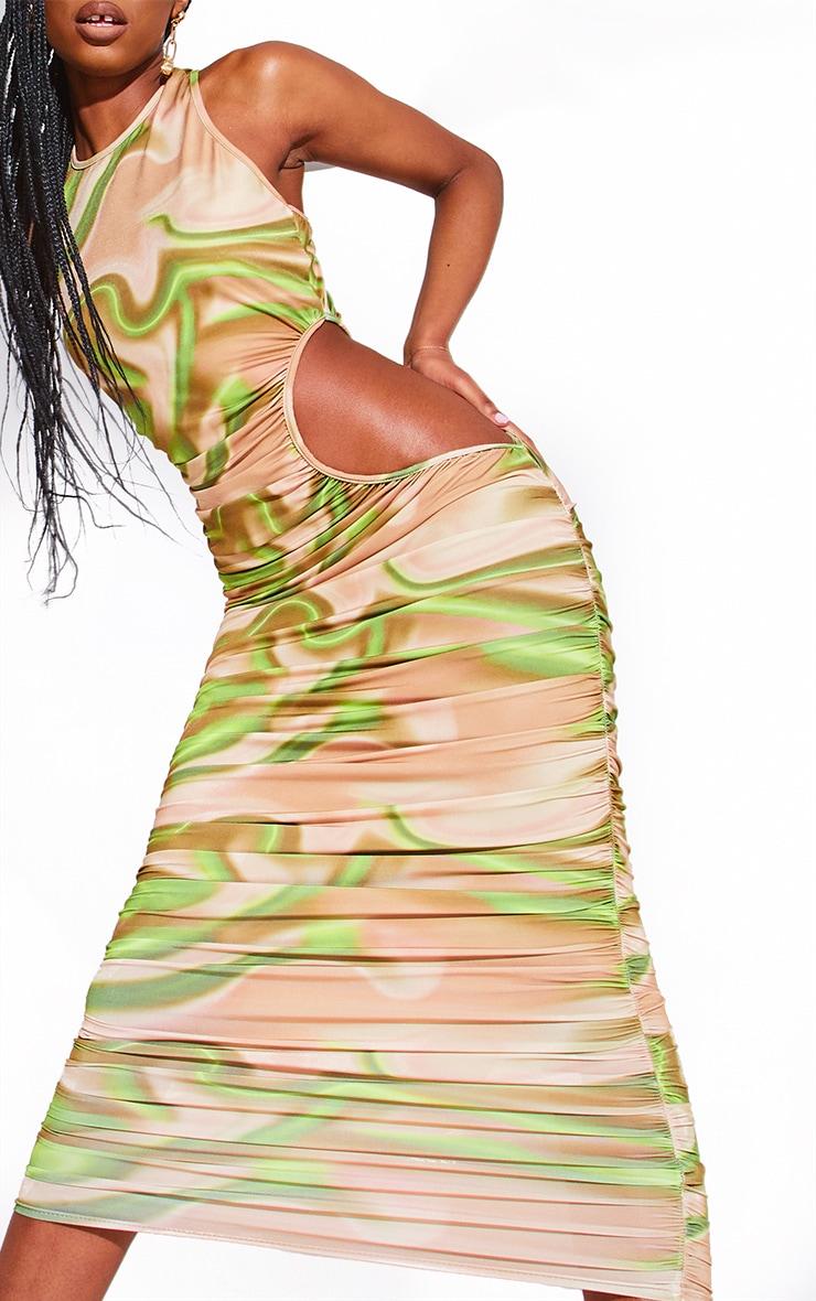 Robe mi-longue imprimée verte à découpes froncée 3