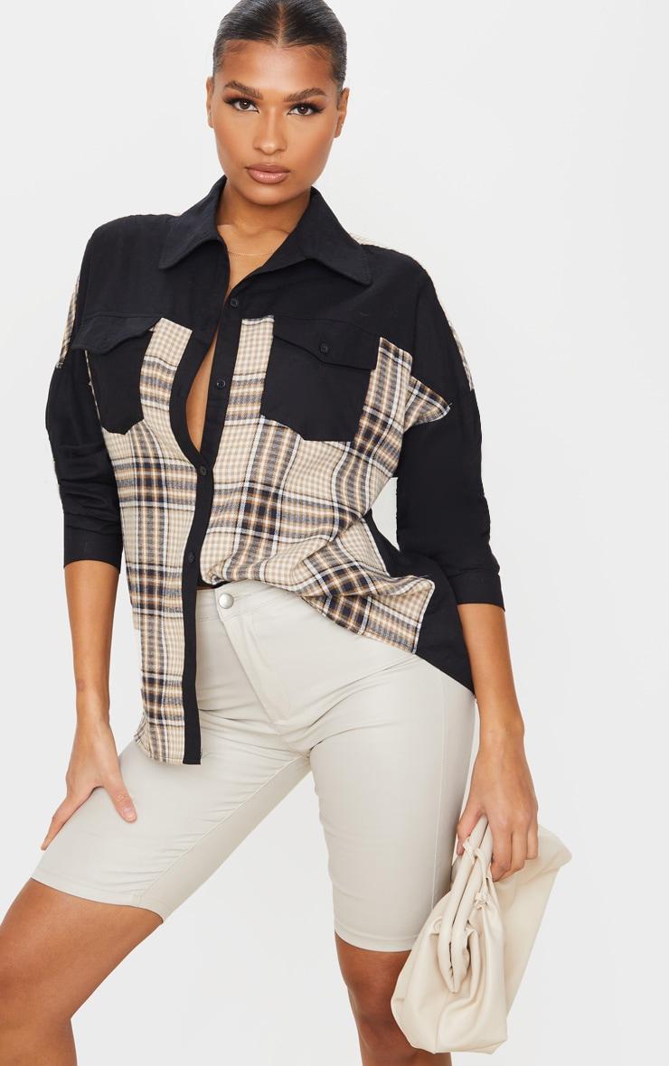 Chemise oversize noire à partie carreaux contrastante 1
