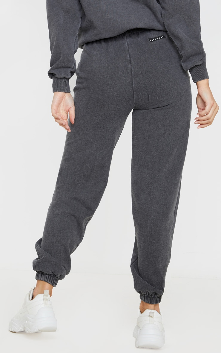 PRETTYLITTLETHING Charcoal Badge Detail Sport Jogger 4
