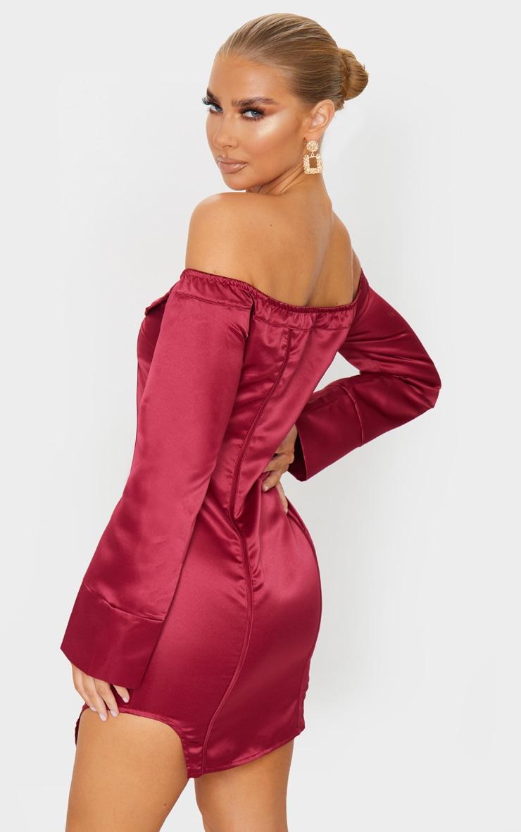 Robe moulante en maille bordeaux à zip et détail coutures 2