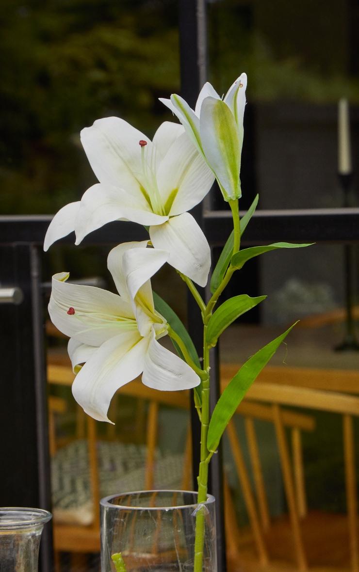 White Silk 3 Head Lily Artificial Flower 1
