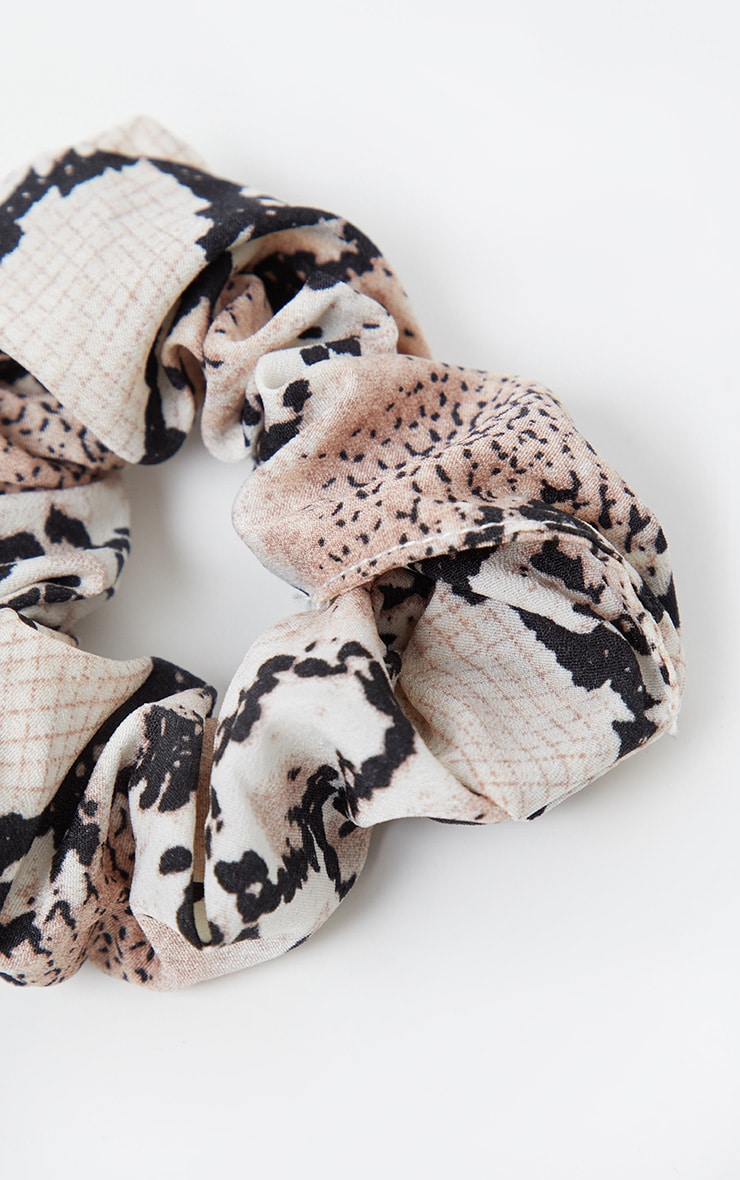Nude Snake Print Scrunchie 3