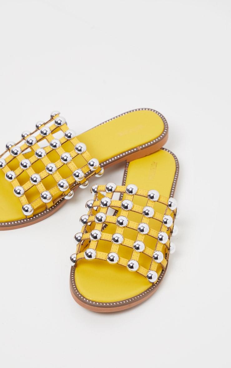 les dernières nouveautés chaussures classiques mode de vente chaude Claquettes Alisa jaunes cloutées