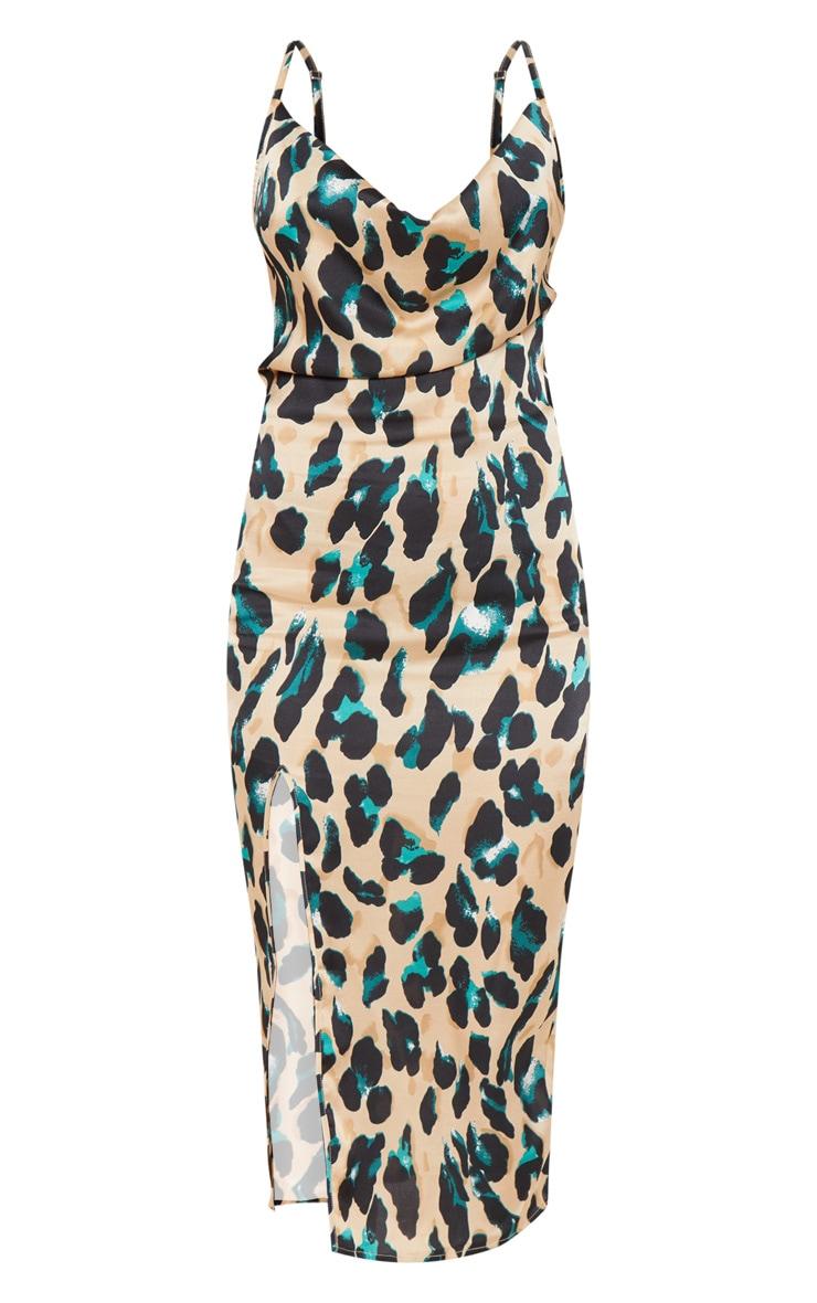 فستان متوسط الطول من قماش الساتان ومطبوع بنقشة جلد الفهد وبفتحة صدر دائرية 3