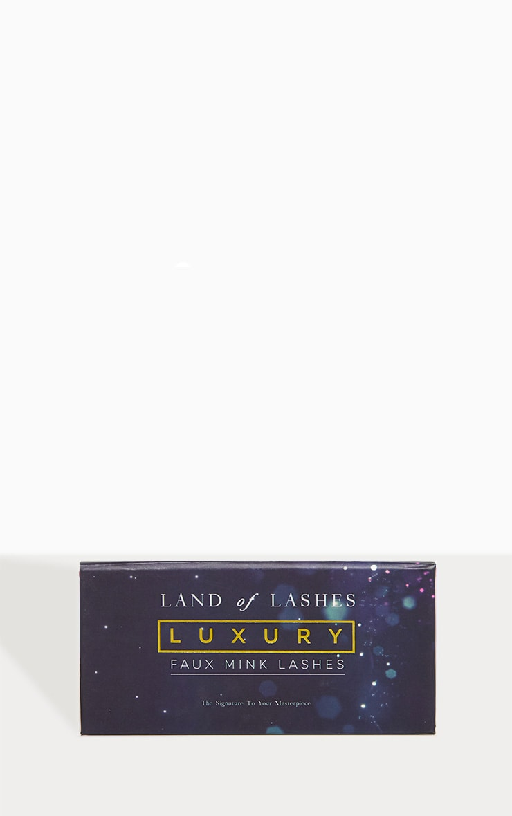 Land of Lashes Luxury Faux Mink Ritz 2