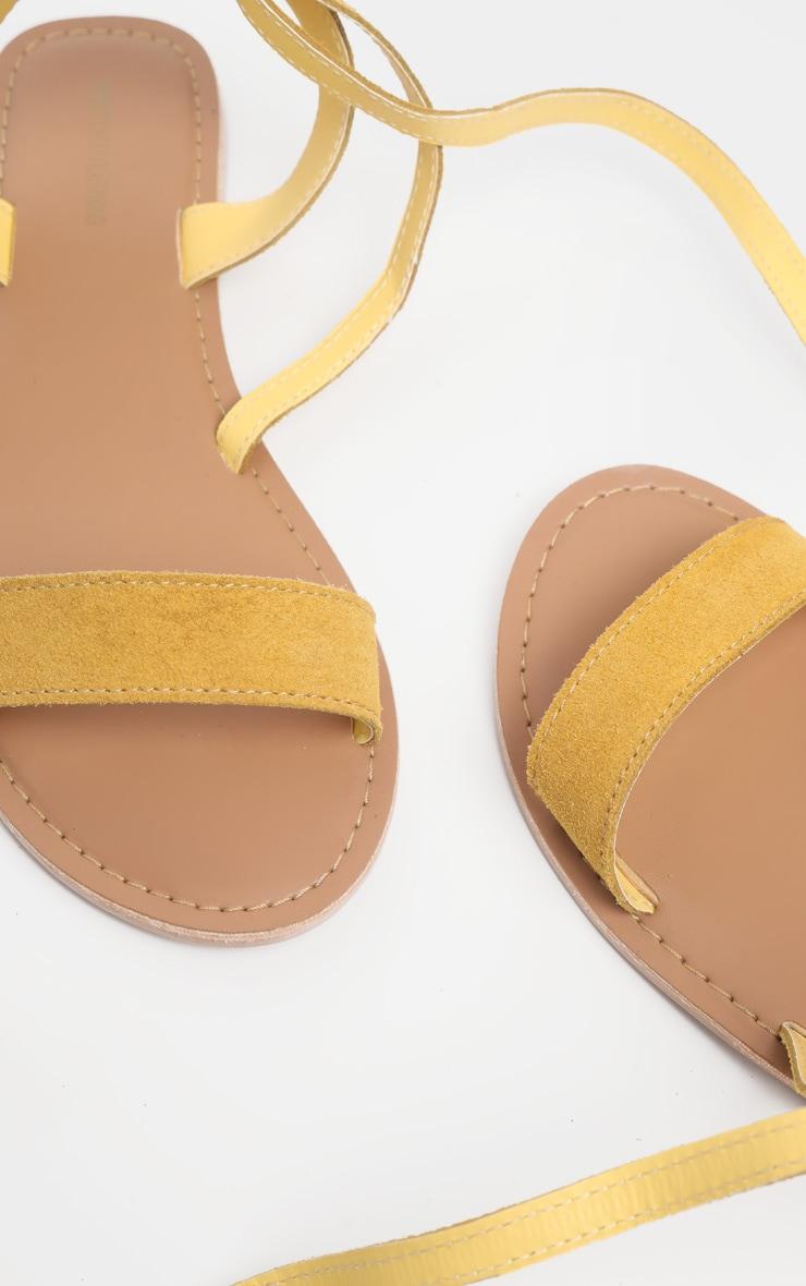 Sandales basiques en cuir jaune moutarde 4