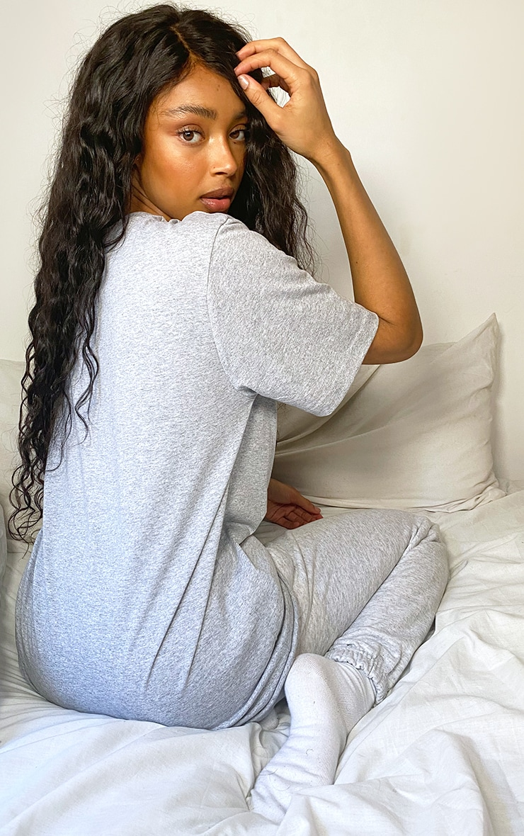 PRETTYLITTLETHING Grey Oversized Embroidered T Shirt 2