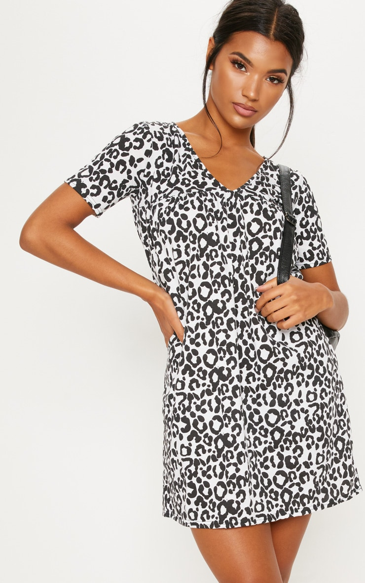 Grey Leopard Print Short Sleeve Smock Dress