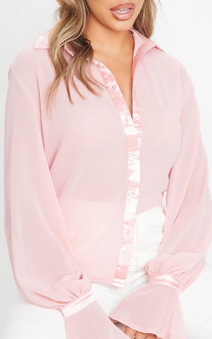 Chemise en mousseline de soie rose pâle à détail manches resserrées 4