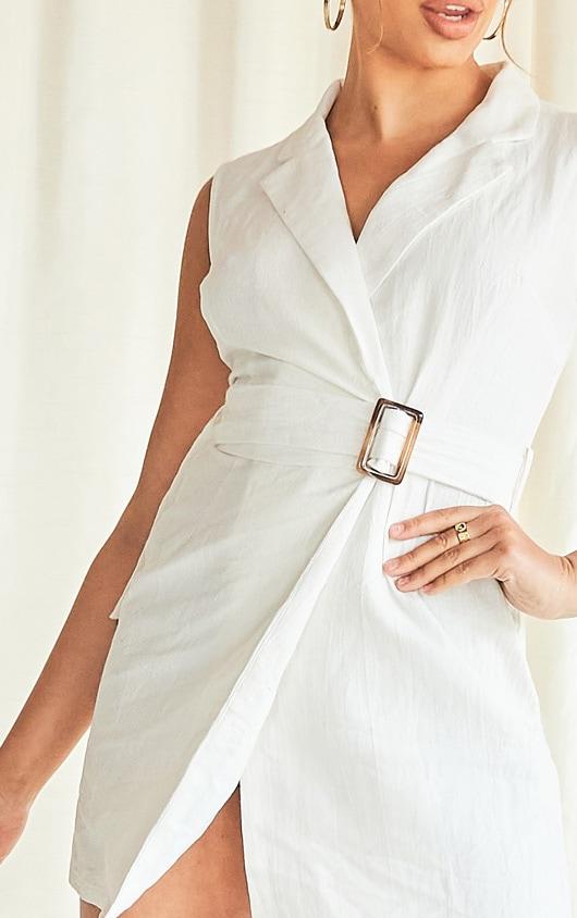 White Sleeveless Tortoise Shell Belt Detail Blazer Dress 4