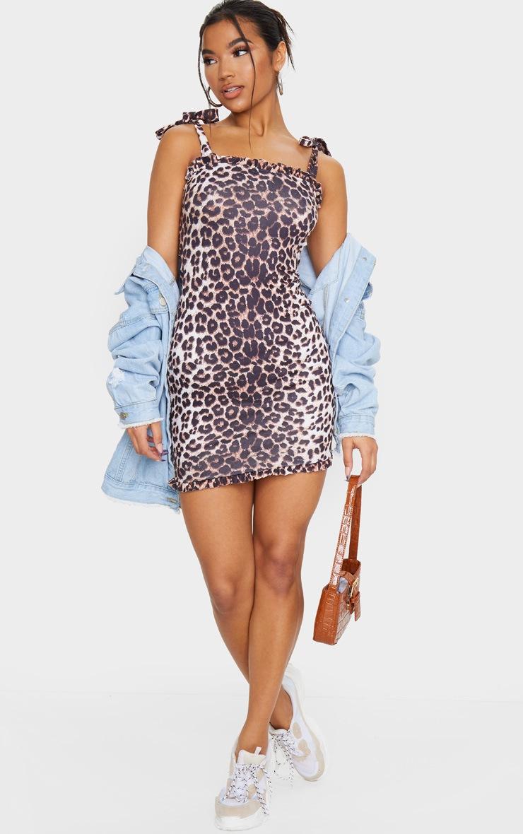 Robe moulante marron imprimé léopard volantée avec épaules à nouer 3
