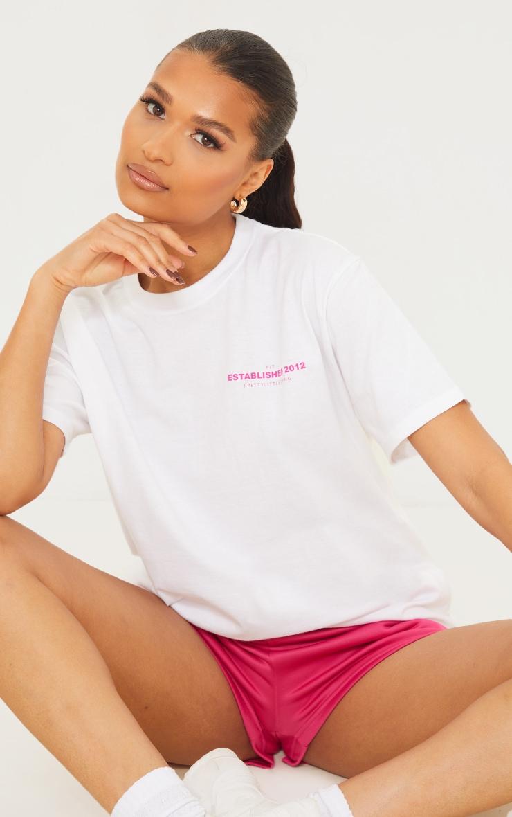 PRETTYLITTLETHING White Back Established Print T Shirt 2