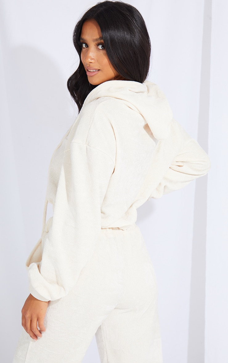 PRETTYLITTLETHING Petite Cream Cropped Chenille Hoodie 2