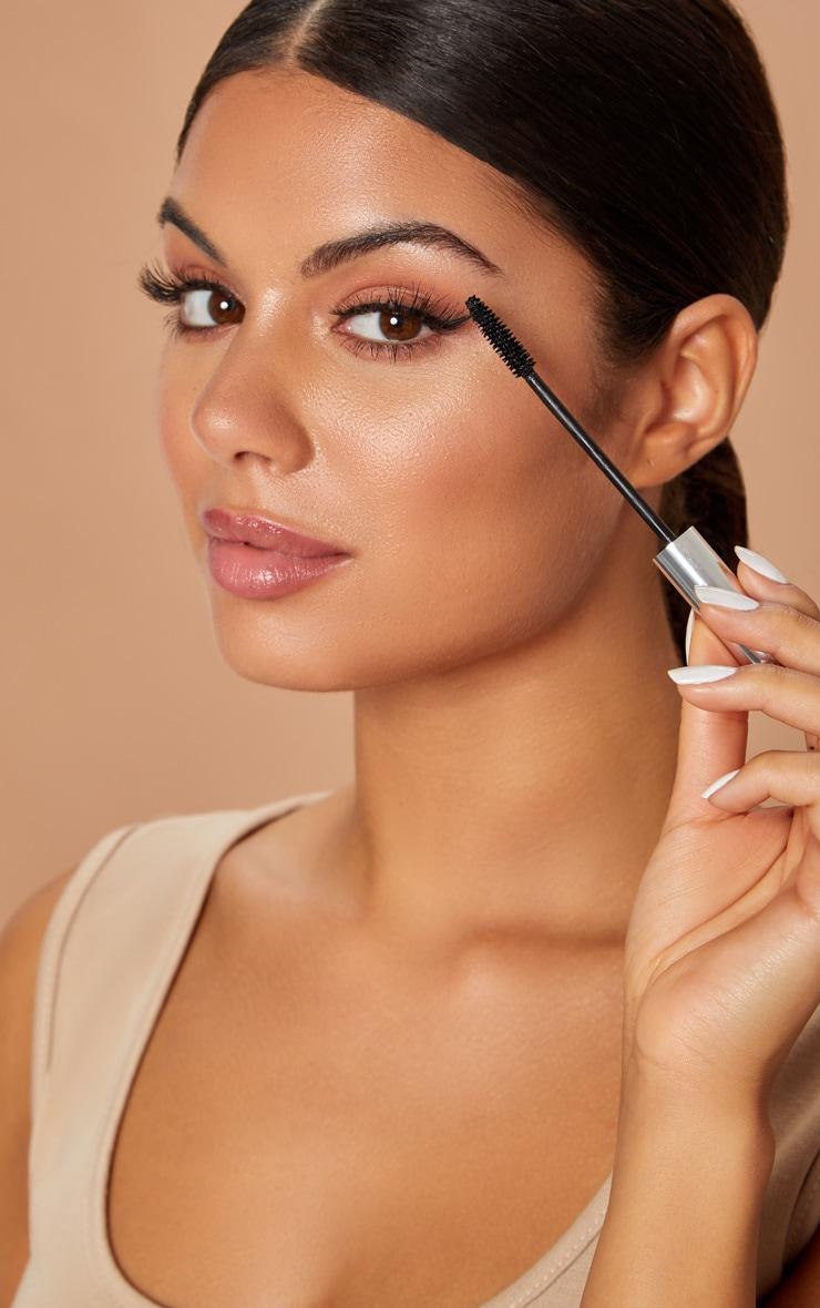 Model Co Lashxtend Mascara 6