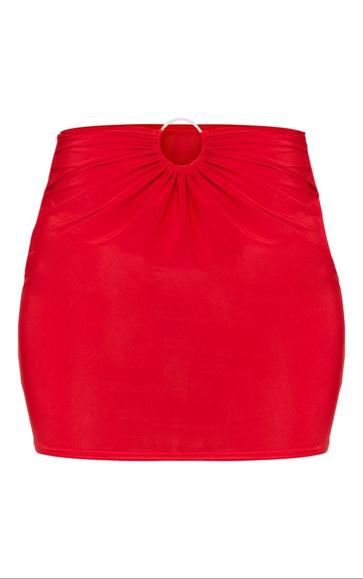 Mini-jupe slinky rouge à détail anneau 5