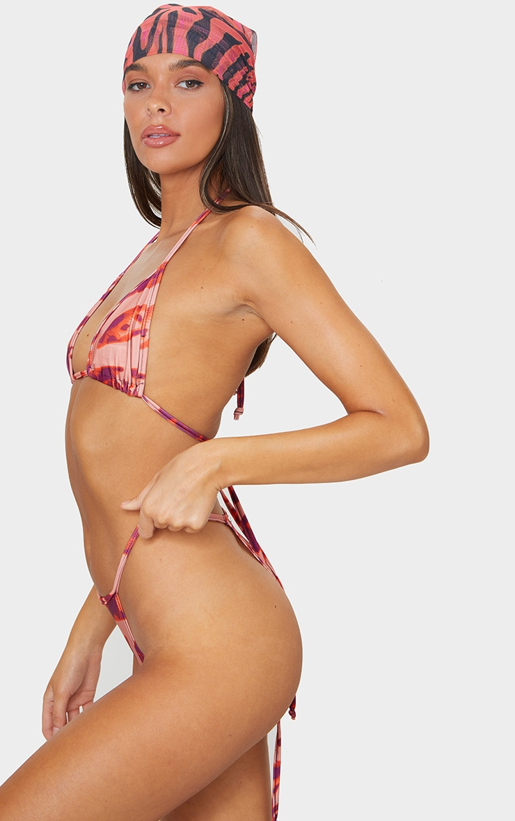 Bas de bikini mini style brésilien à imprimé zébrures abstraites oranges 2
