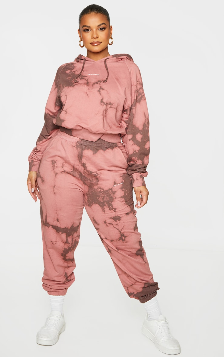PRETTYLITTLETHING Plus Chocolate Brown Printed Tie Dye Joggers 1
