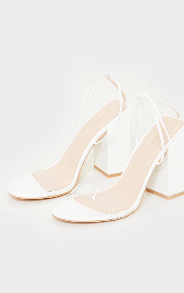 Sandales blanches pointure large à talon bloc et lacets cheville 3