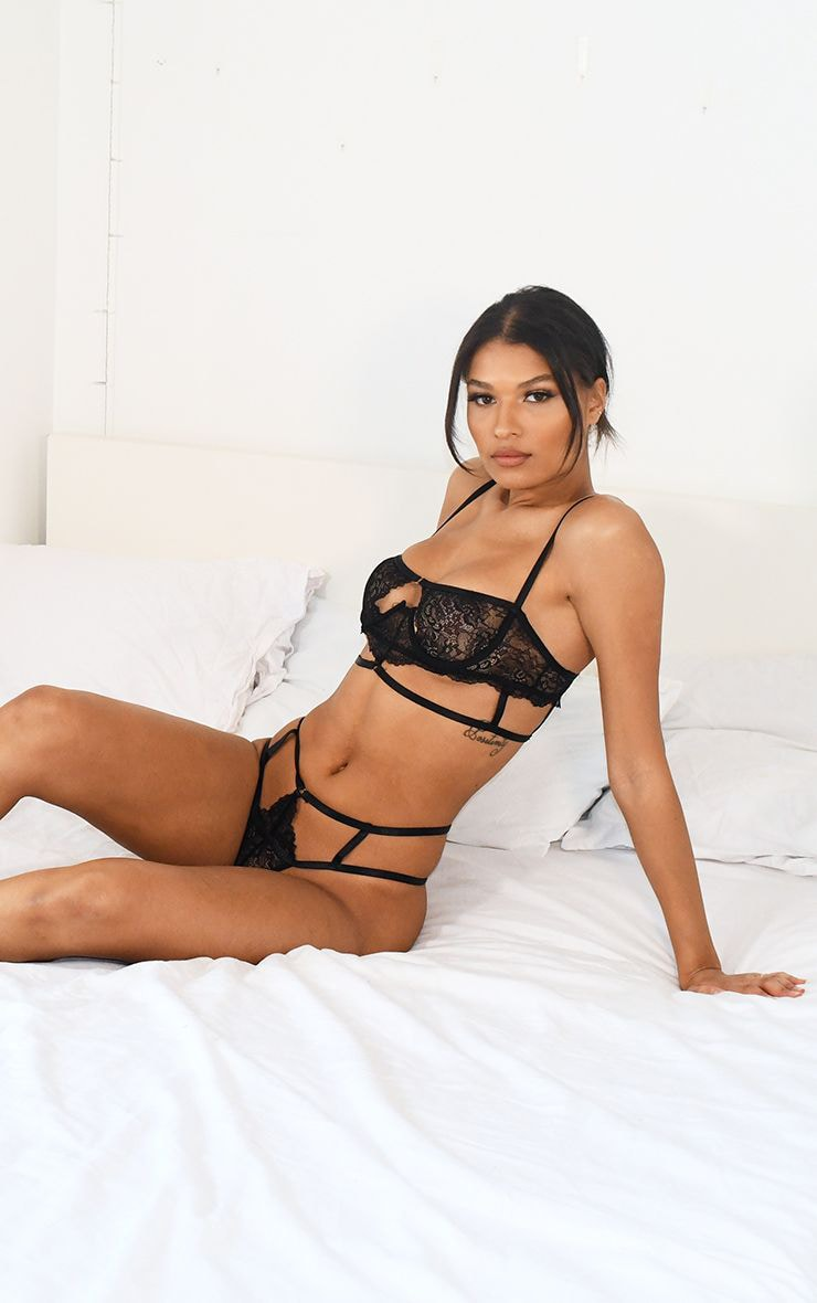 Black Cut Out Detail Strapping Underwired Lingerie Set 3