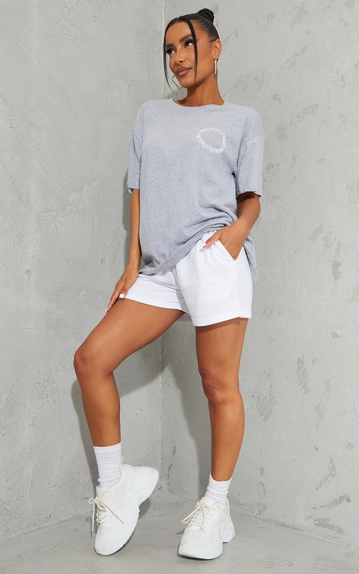 PRETTYLITTLETHING Grey Circle Back Print T Shirt 3