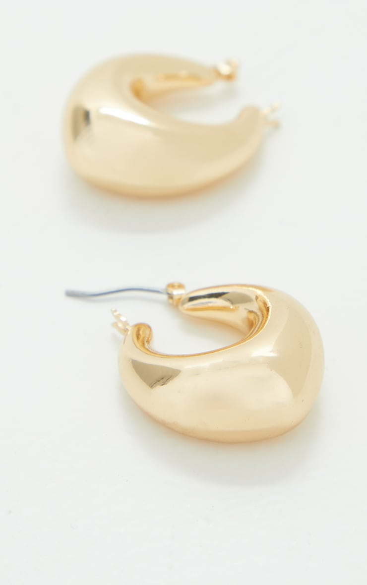 Gold Oval Chunky Hoop Earrings 3