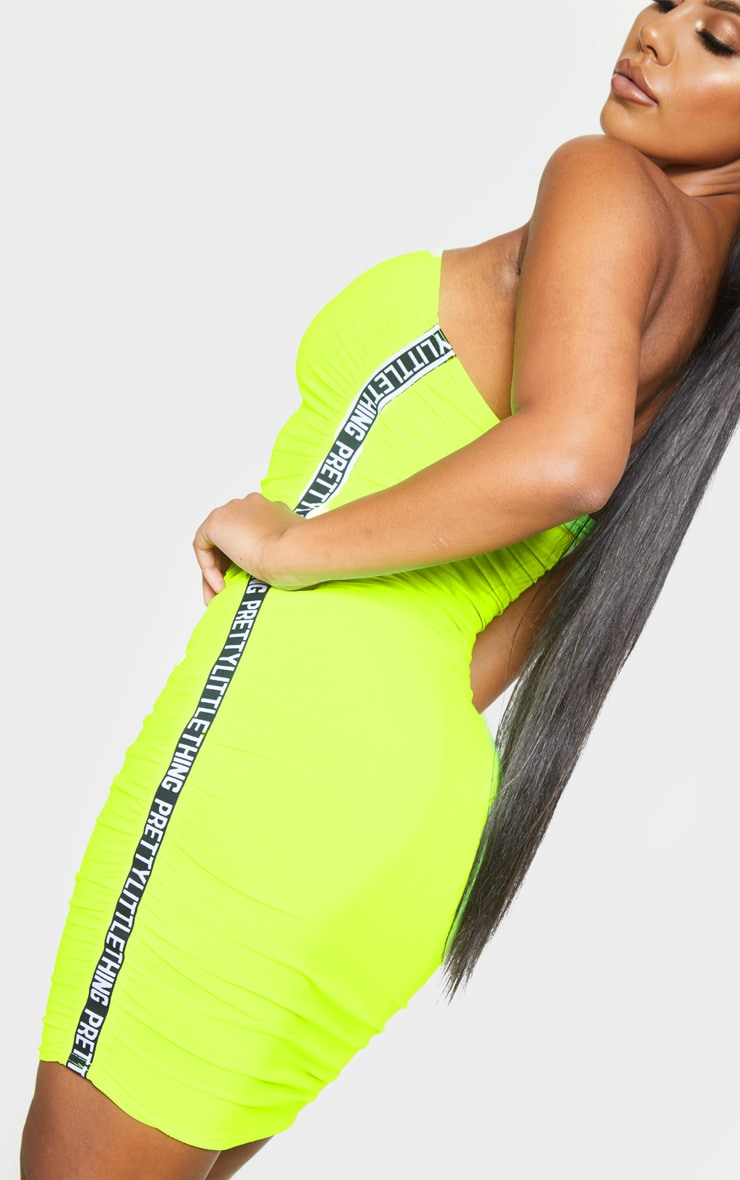 PRETTYLITTLETHING Neon Lime Ruched Bandeau Bodycon Dress 5