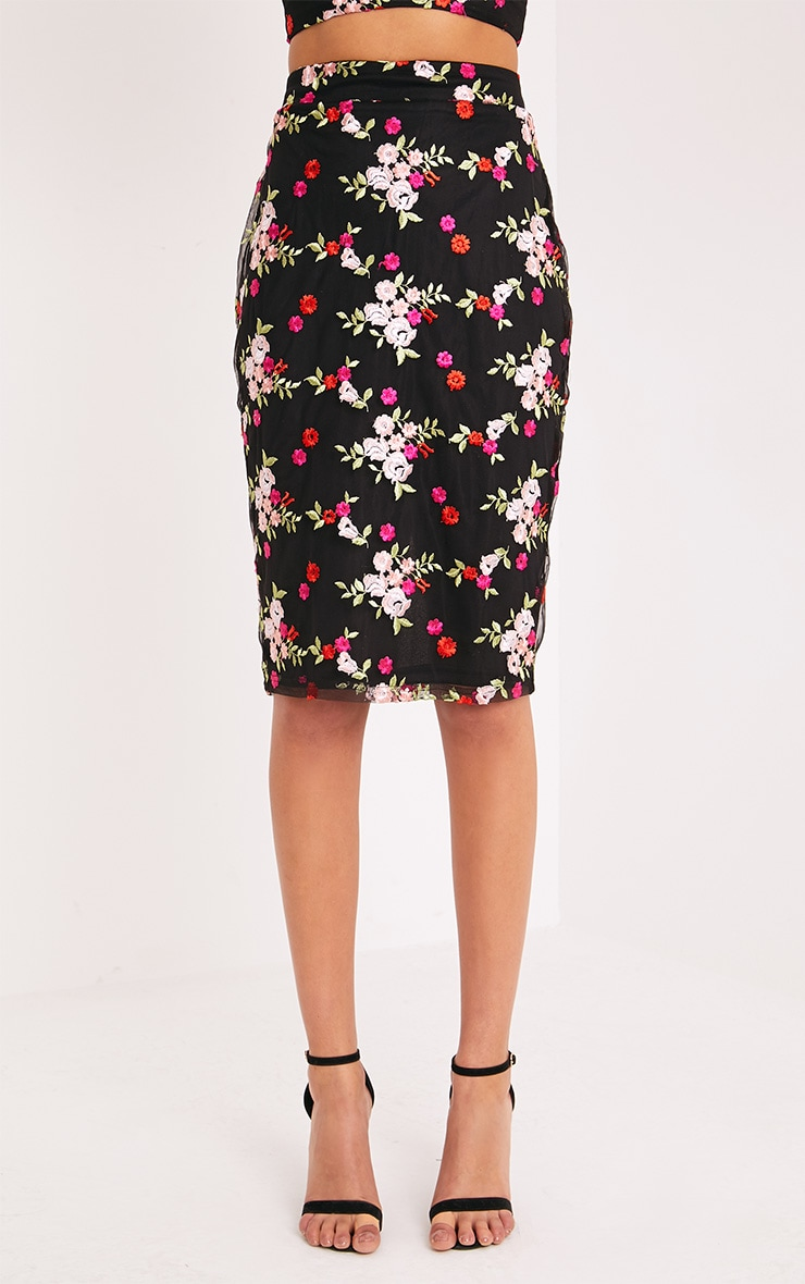 Gelesia Black Embroidered Midi Skirt  2