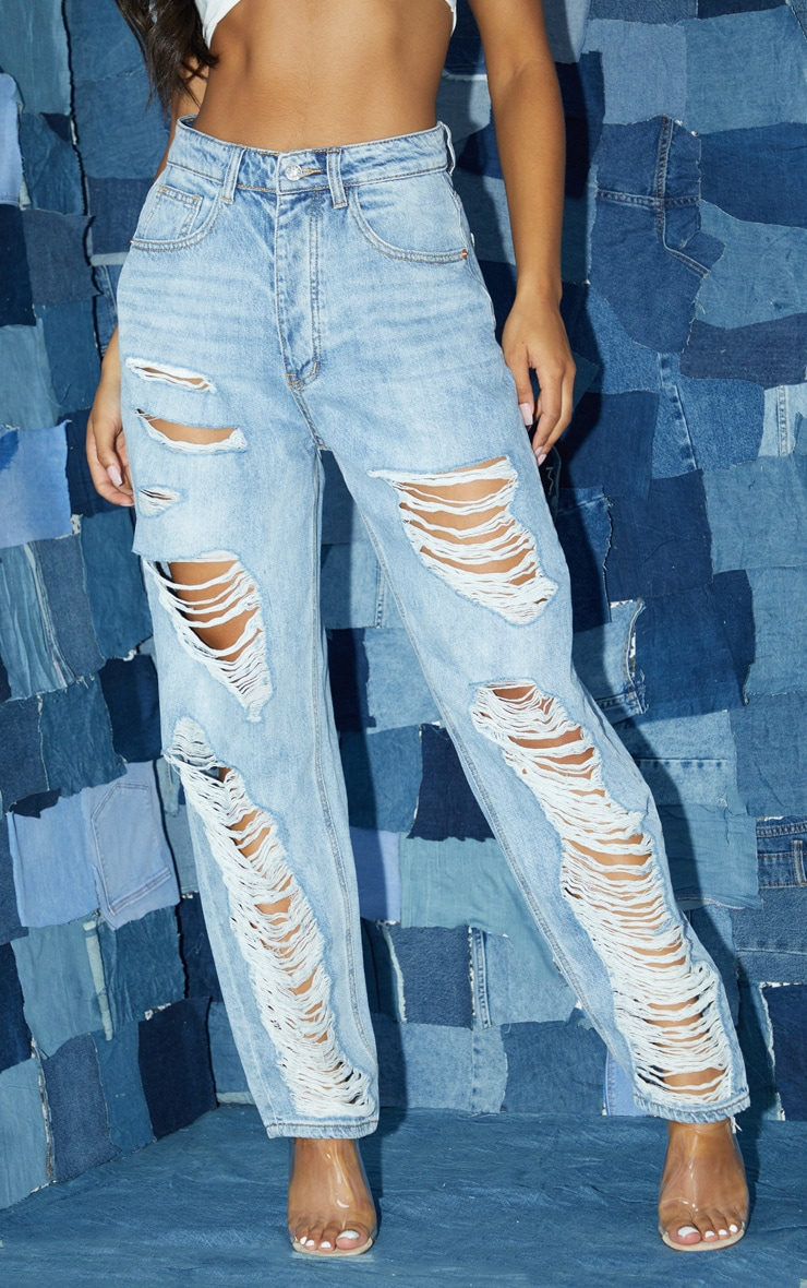 PRETTYLITTLETHING Light Wash Distressed Boyfriend Jean 2