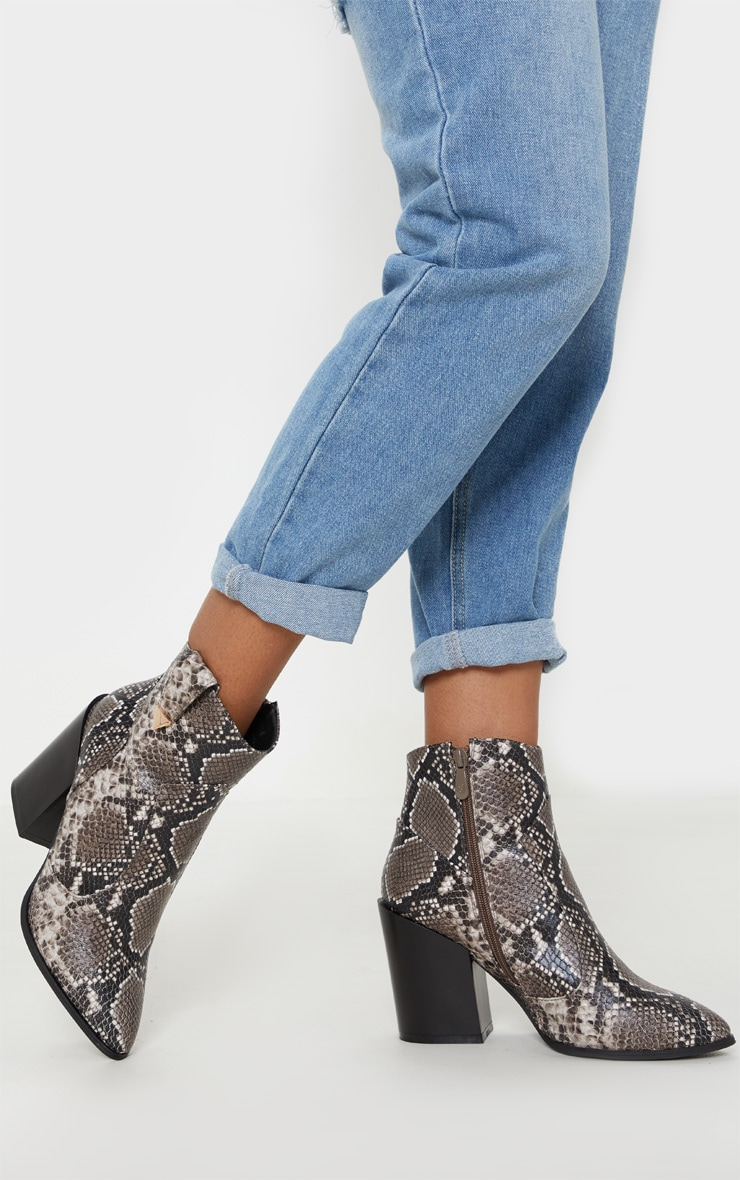 Snake Western Detail Ankle Boot 1