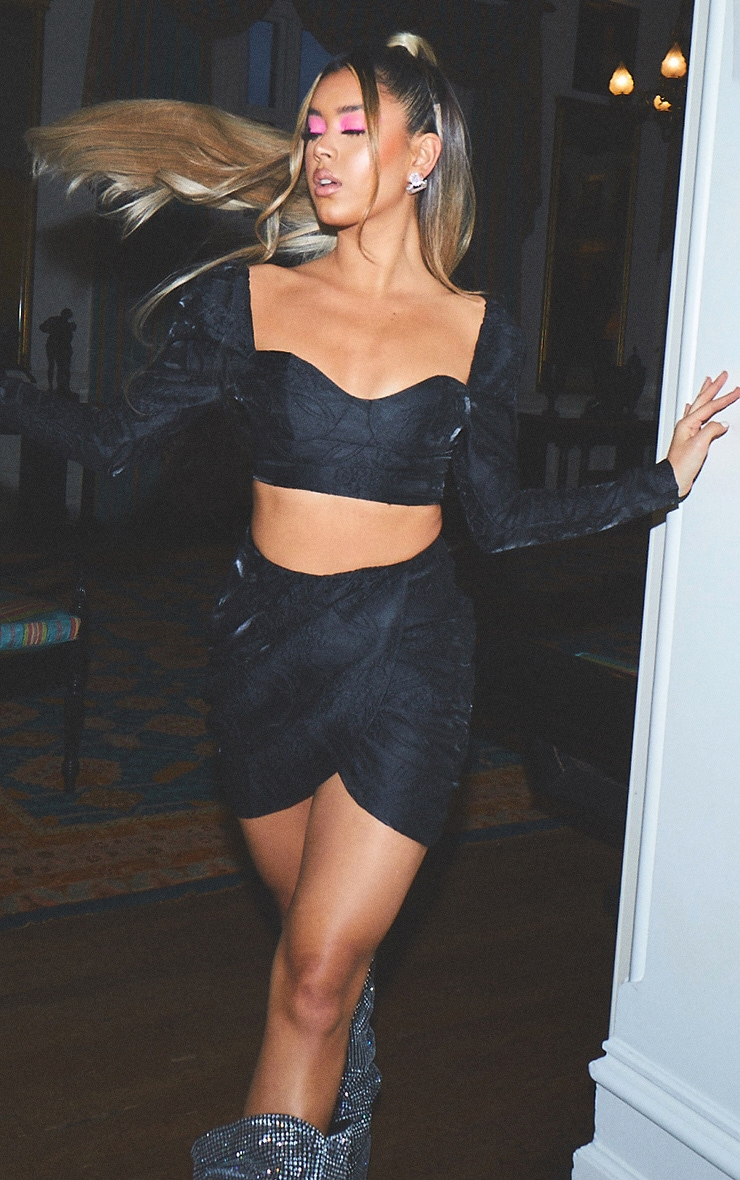 Black Structured Embossed Jacquard Cup Detail Puff Long Sleeve Crop Top 3