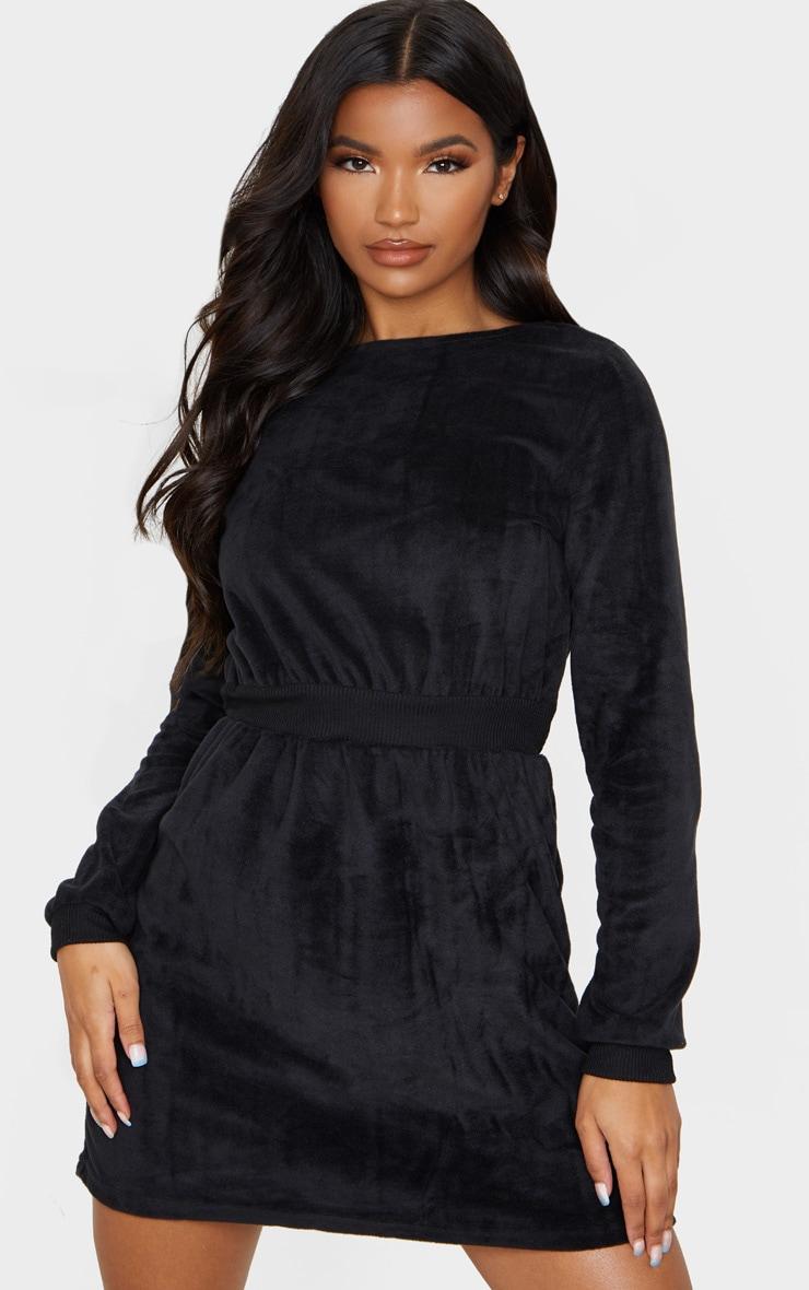 Robe pull en velours noir à taille côtelée 1