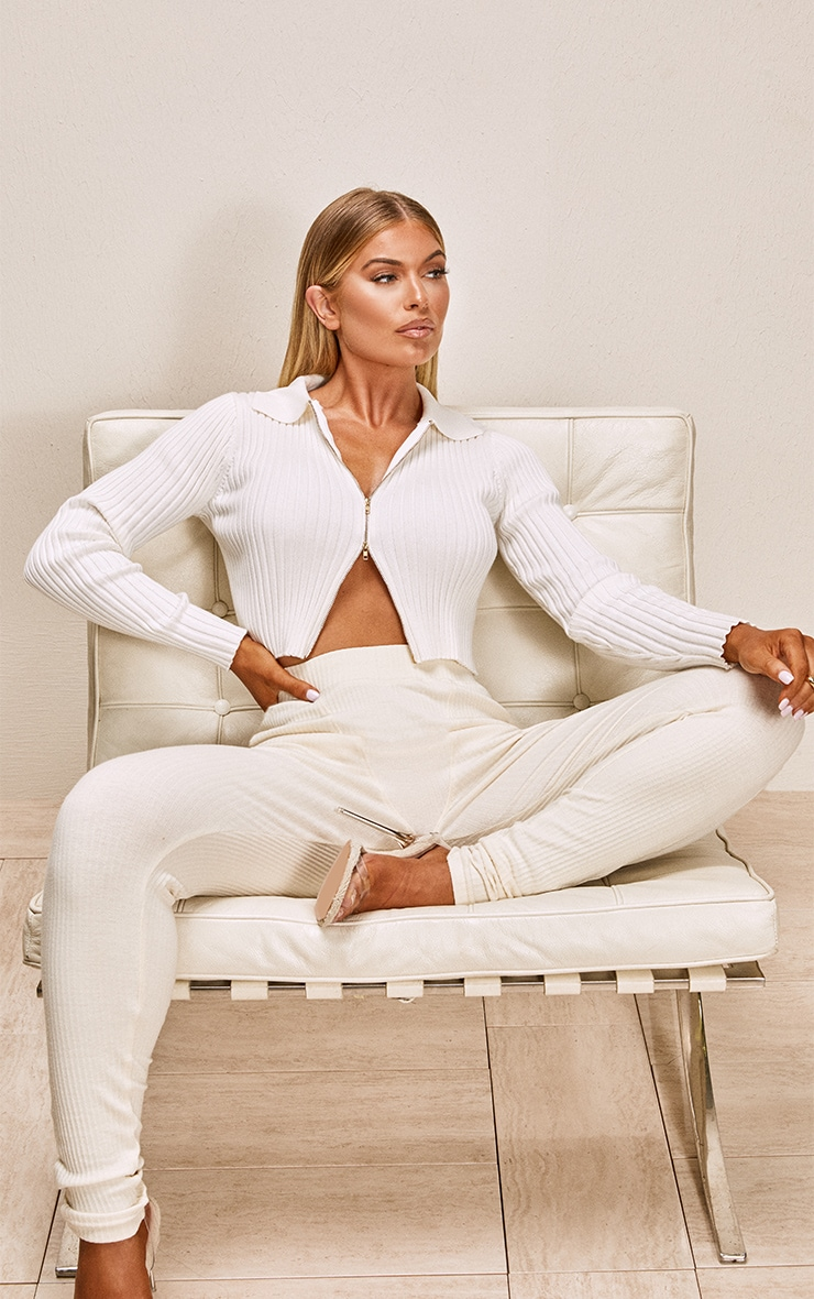 White Double Zipped Knitted Crop Top 3