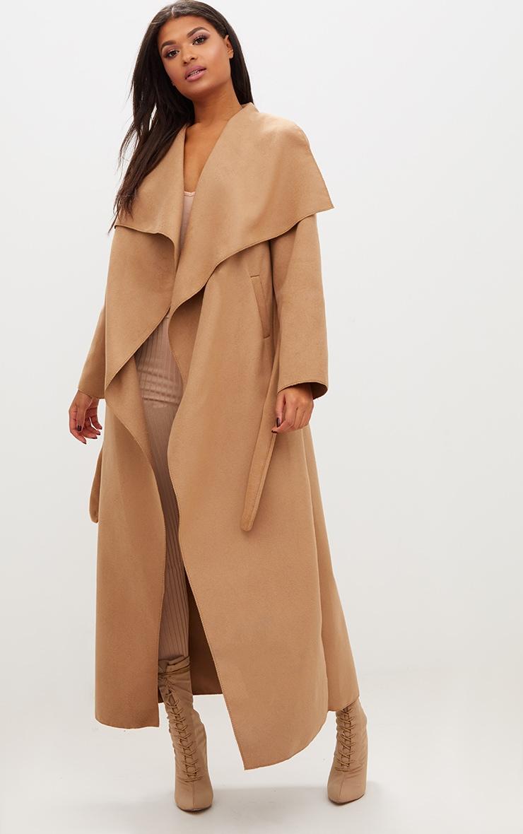 Manteau long oversize effet cascade camel à ceinture 1