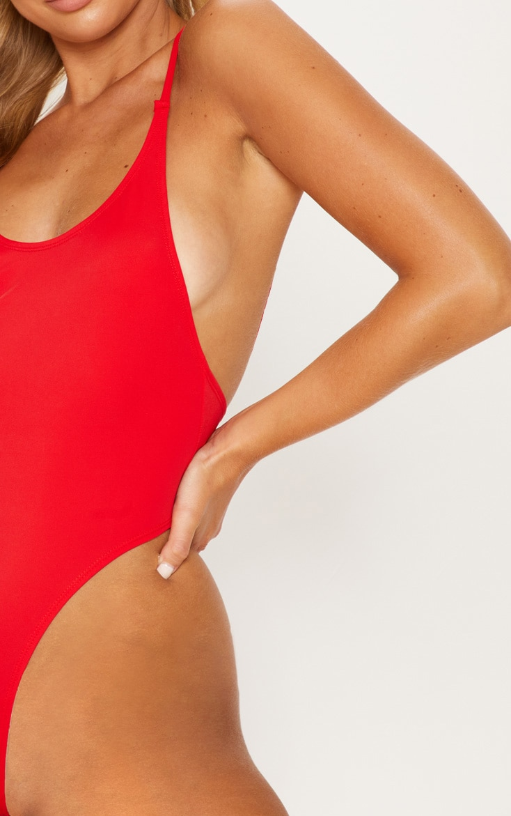 Red Minimal Basic Swimsuit 5