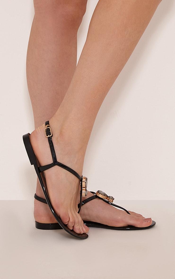 Cena Black Thong Sandal 2