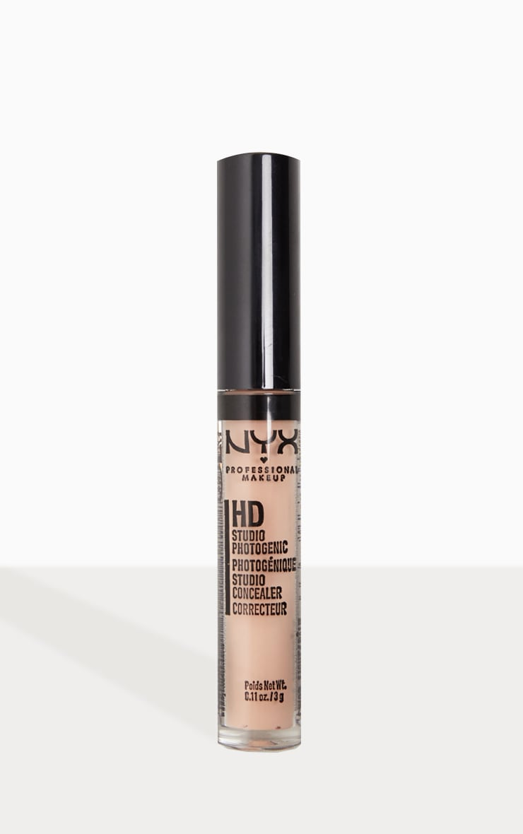 NYX PMU HD Photogenic Concealer Wand Light 1