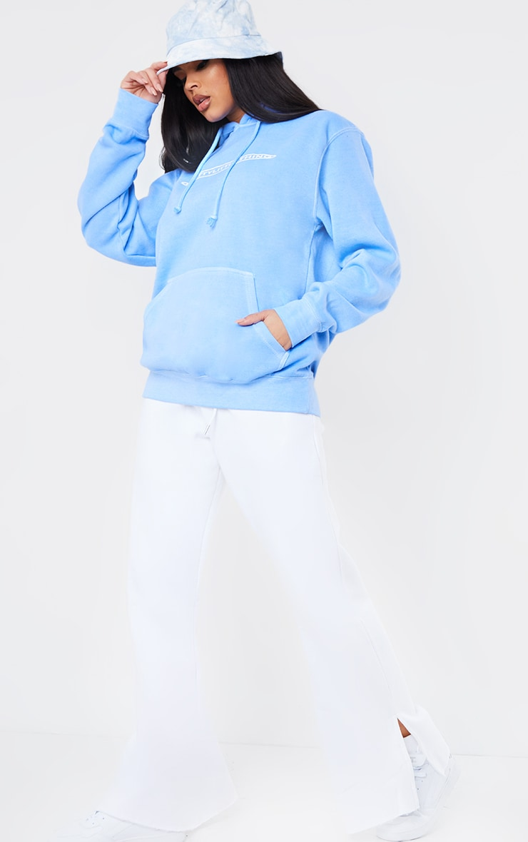 PRETTYLITTLETHING Cornflower Blue Printed Washed Hoodie 3