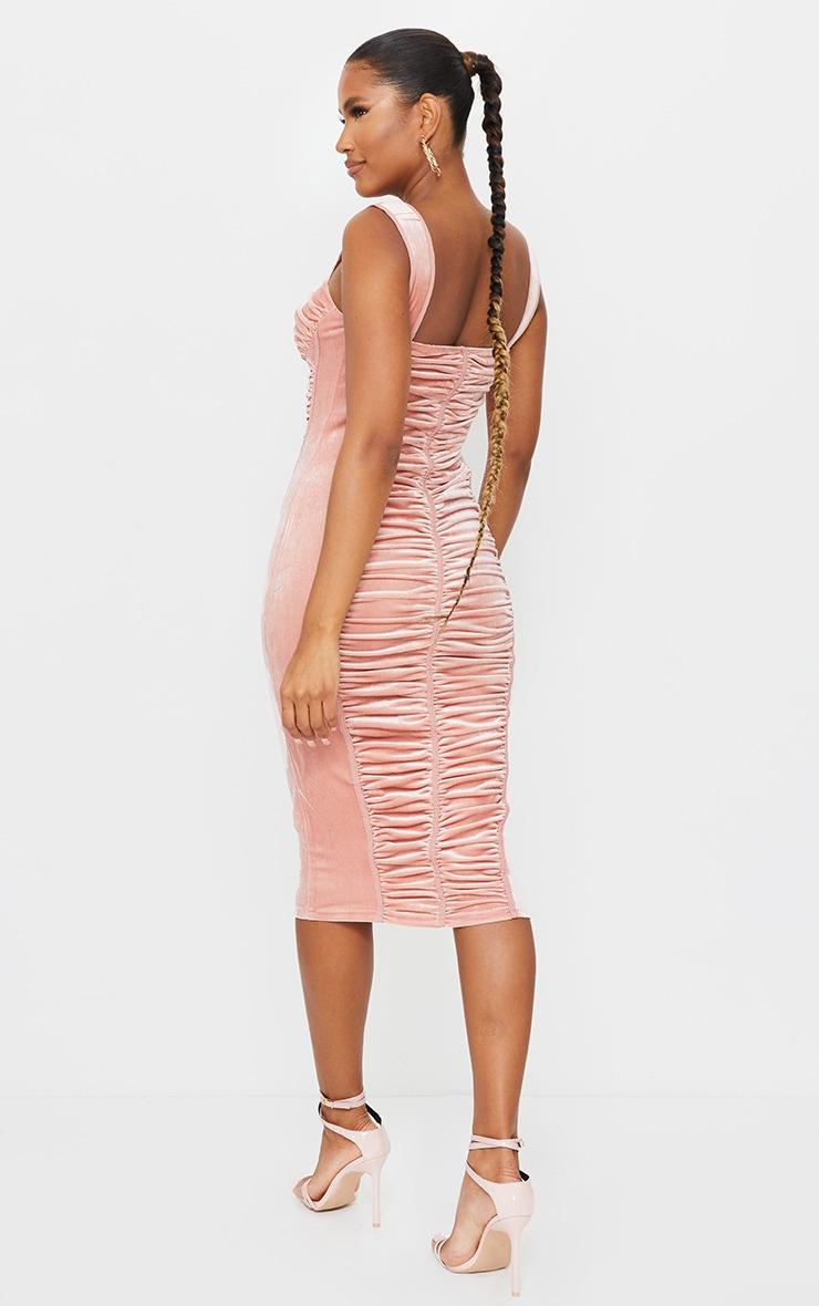 Robe mi-longue sans manches en velours froncé rose à détail corset 2