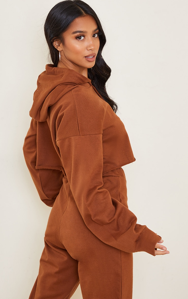 PRETTYLITTLETHING Petite Chocolate Cropped Hoodie 2