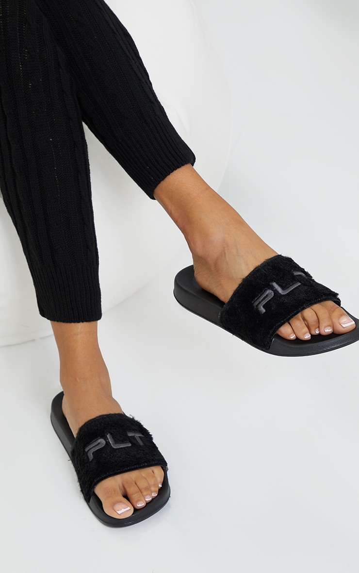 PRETTYLITTLETHING Black Short Faux Fur Slides 1