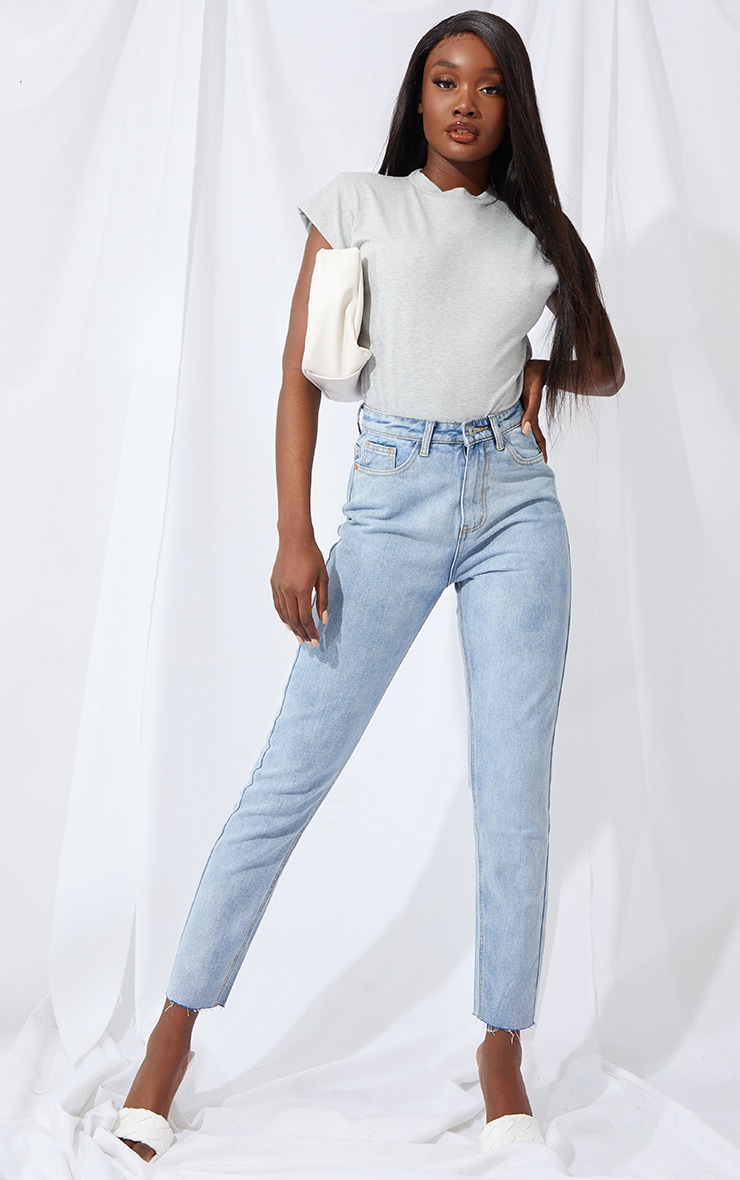 PRETTYLITTLETHING Tall Light Blue Raw Hem Cropped Slim Mom Jeans 1