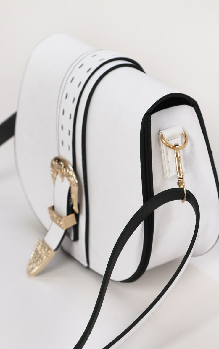 White Western Buckle Saddle Cross Body Bag 2