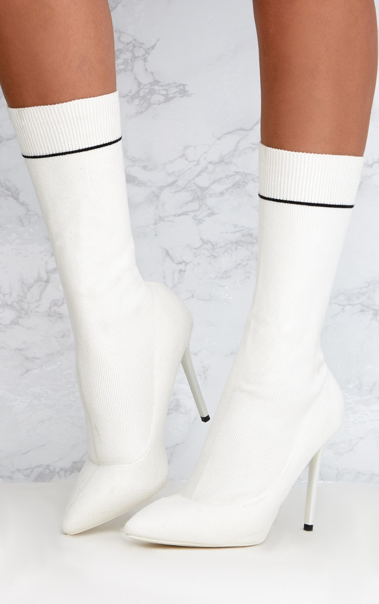 White Contrast Piping Knitted Pointy Sock Boots  2